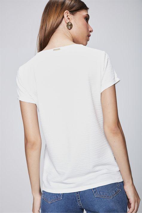 Camiseta-com-Textura-Estampada-Costas--