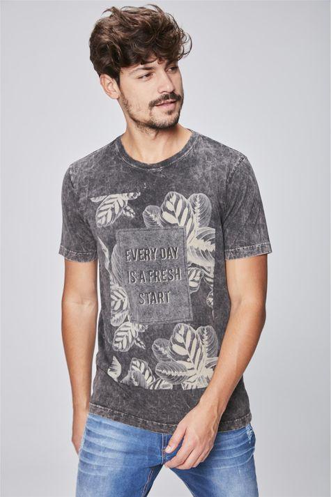 Camiseta-Tingida-Estampa-Floral-Frente--