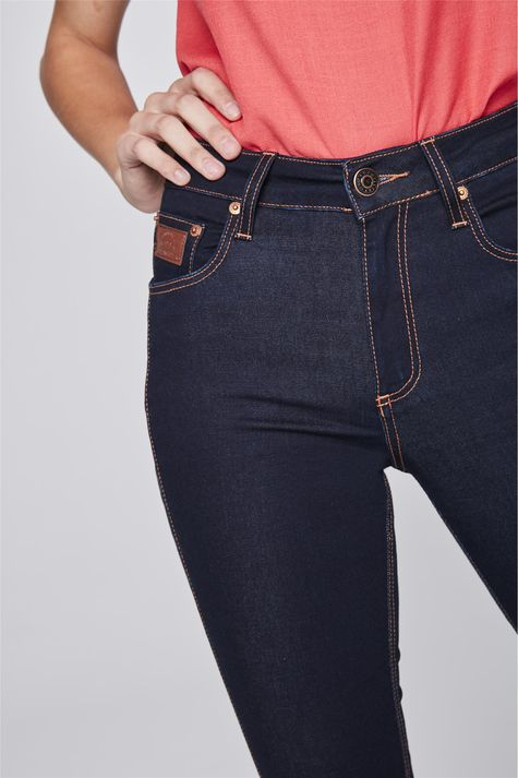 Calca-Jeans-Cigarrete-de-Cintura-Alta-Detalhe--