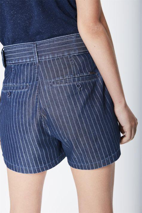 Short-Jeans-Solto-de-Cintura-Super-Alta-Detalhe-1--