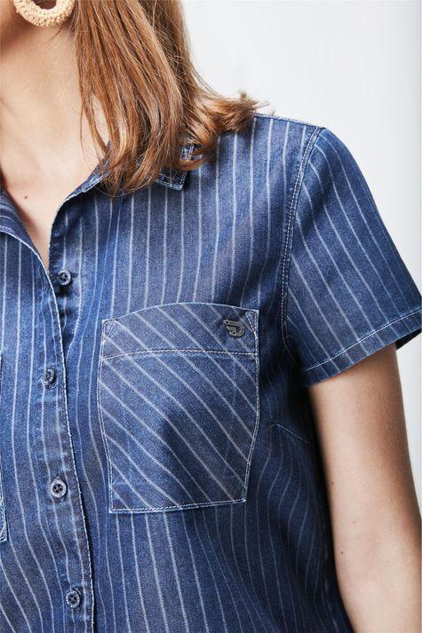 Camisa-Cropped-Jeans-Risca-de-Giz-Detalhe--