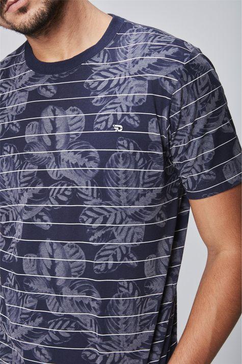 Camiseta-Masculina-Estampada-Detalhe--