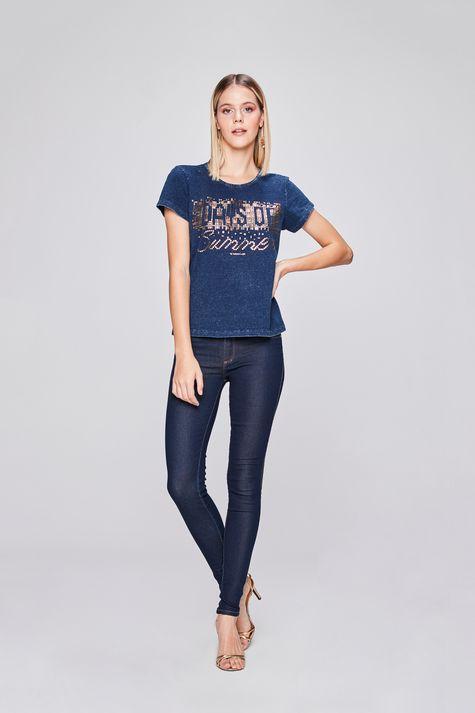 Camiseta-Estampada-de-Malha-Denim-Detalhe-1--
