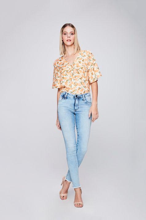 Calca-Jeans-Cigarrete-com-Barra-Desfiada-Frente--