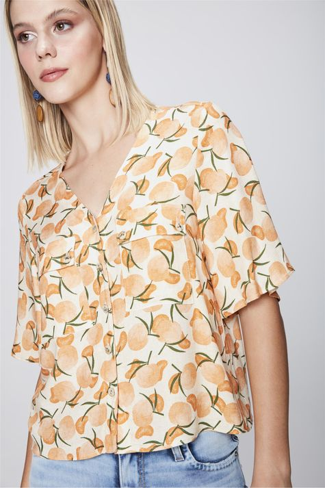 Camisa-Cropped-com-Estampa-Tropical-Frente--