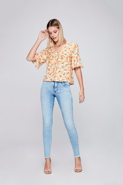 Camisa-Cropped-com-Estampa-Tropical-Detalhe--