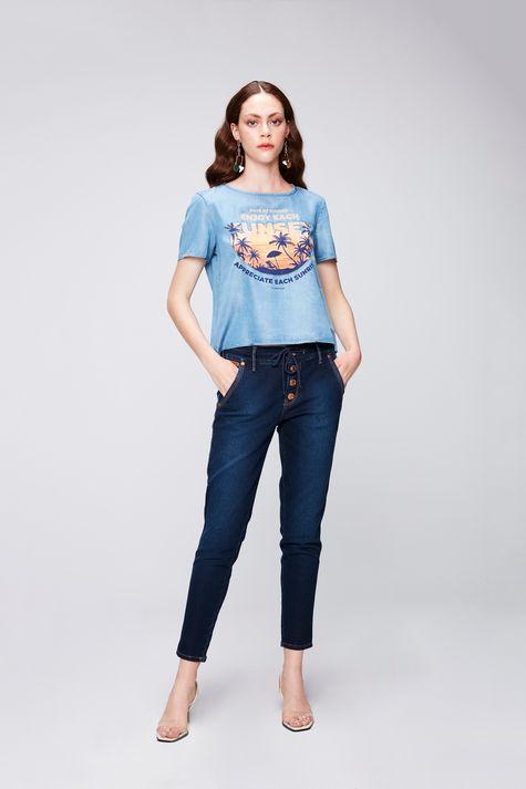 Camiseta-Jeans-com-Estampa-Tropical-Detalhe-1--