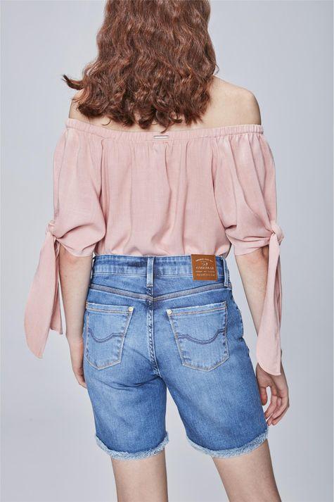 Bermuda-Jeans-com-Barra-Dobrada-Feminina-Costas--