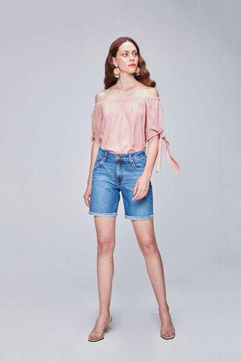 Bermuda-Jeans-com-Barra-Dobrada-Feminina-Detalhe-1--