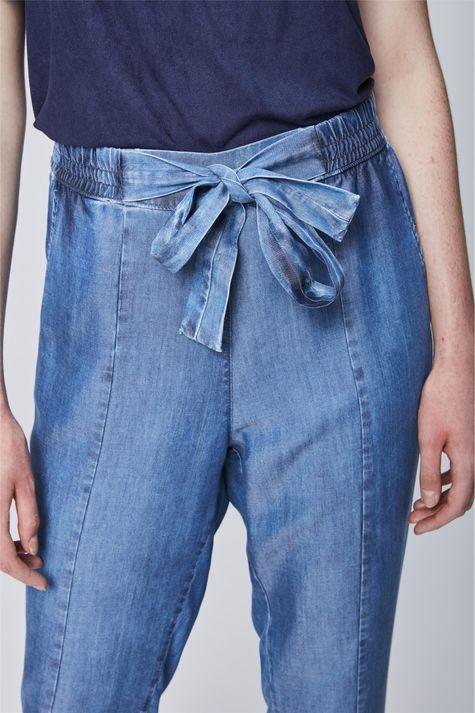 Calca-Jeans-Cropped-com-Amarracao-Detalhe--