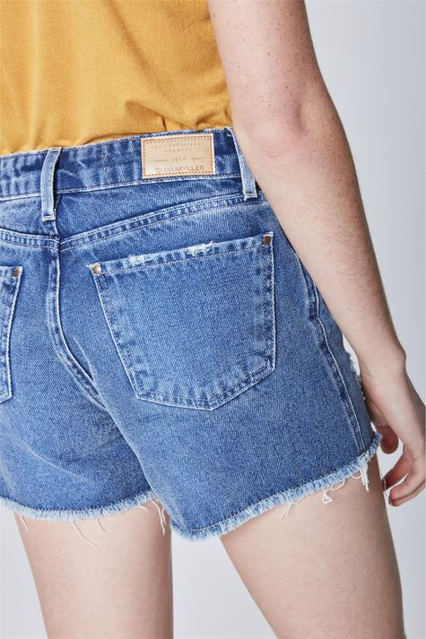 Short-Jeans-Solto-com-Botoes-Detalhe--