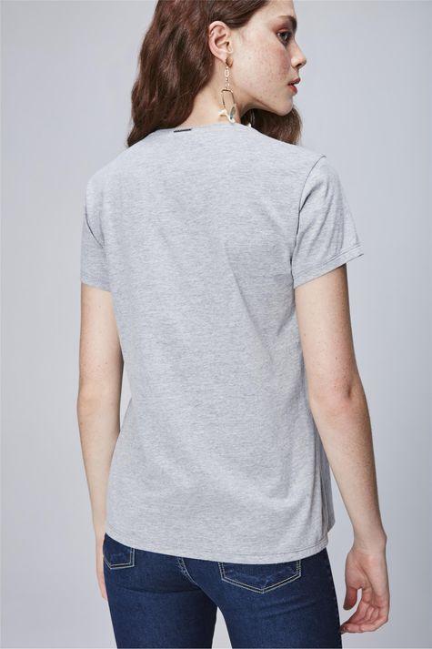 Camiseta-com-Estampa-de-Hashtag-Feminina-Costas--