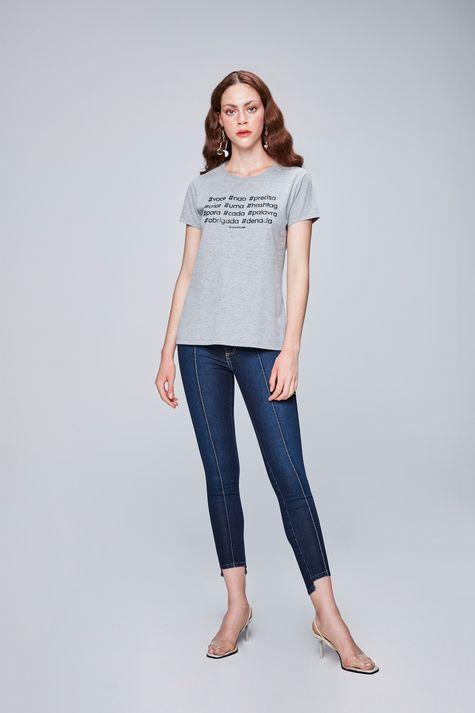 Camiseta-com-Estampa-de-Hashtag-Feminina-Detalhe-1--