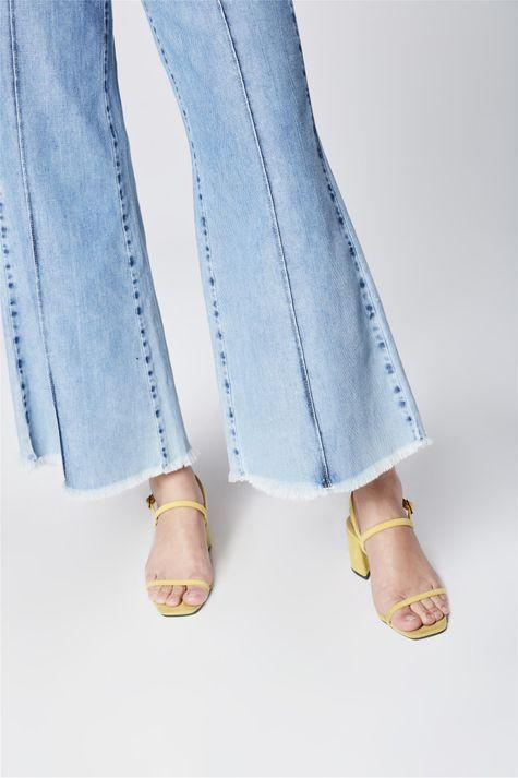 Calca-Pantalona-Jeans-Cropped-com-Frisos-Detalhe-2--