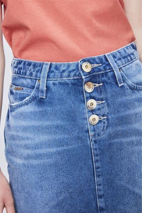 Saia-Jeans-Secretaria-com-Botoes-Detalhe--