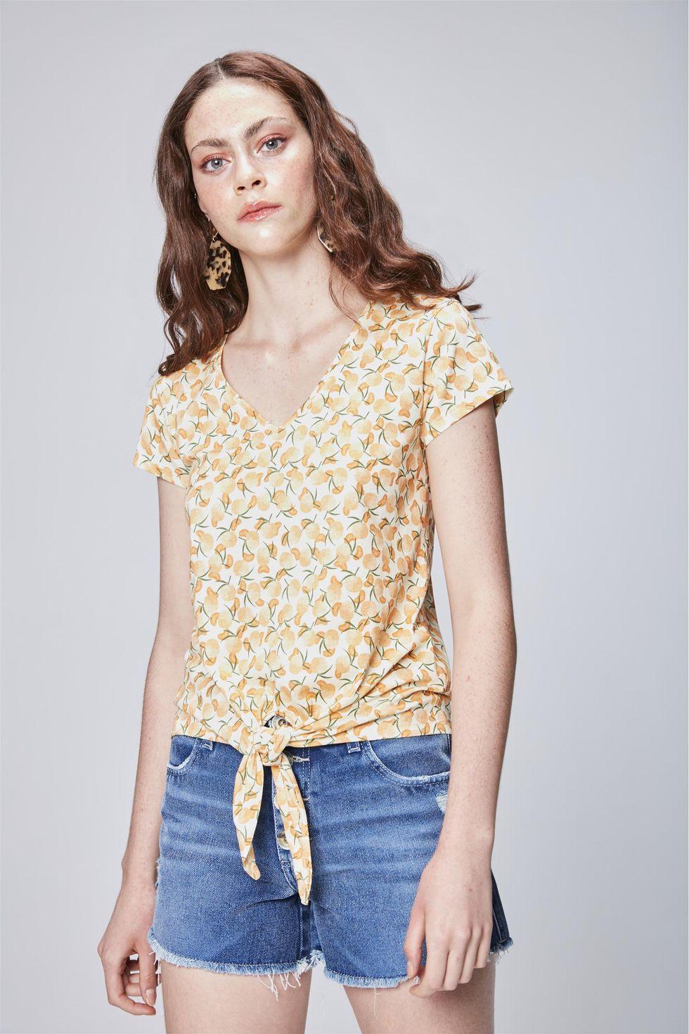 Camiseta-com-Estampa-Tropical-Feminina-Frente--