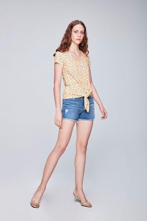 Camiseta-com-Estampa-Tropical-Feminina-Detalhe-1--