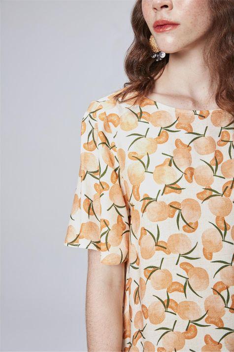 Blusa-com-Estampa-Tropical-Feminina-Detalhe--