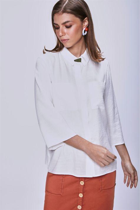 Camisa-com-Bolsos-Feminina-Frente--