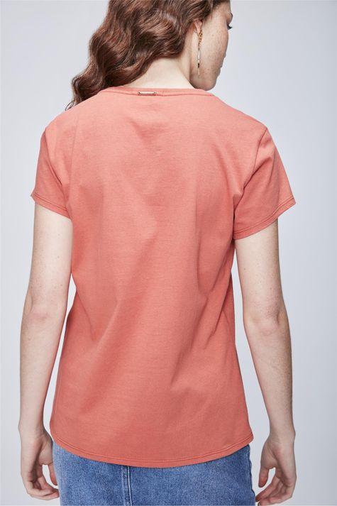 Camiseta-com-Estampa-Feminina-Costas--