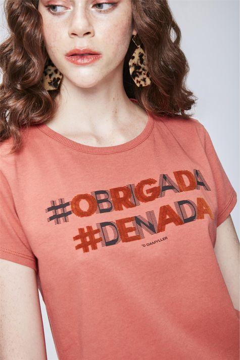Camiseta-com-Estampa-Feminina-Detalhe--