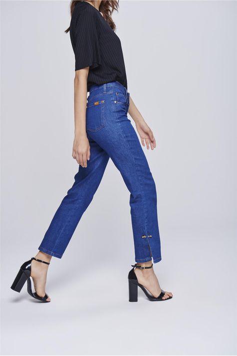 Calca-Jeans-Cropped-com-Detalhe-Lateral-Lado--