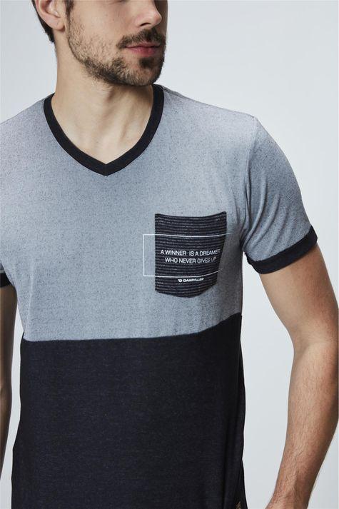 Camiseta-com-Bolso-Masculina-Detalhe--