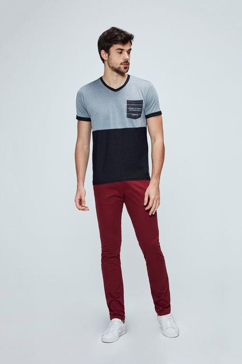 Camiseta-com-Bolso-Masculina-Detalhe-2--