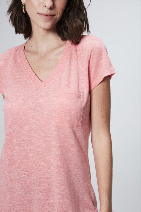 Camiseta-Feminina-Branca-com-Bolso-Detalhe--
