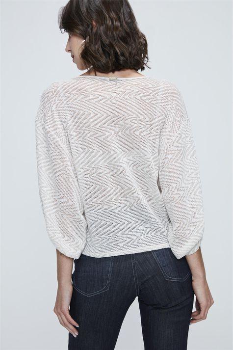 Blusa-Franzida-de-Trico-Leve-Detalhe--