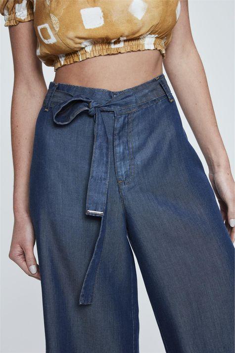 Pantacourt-Jeans-com-Amarracao-Feminina-Detalhe--