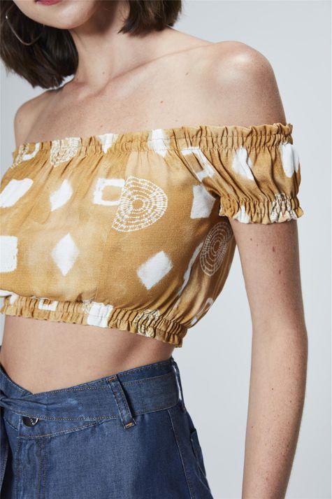 Top-Cropped-com-Estampa-Tie-Dye-Detalhe--