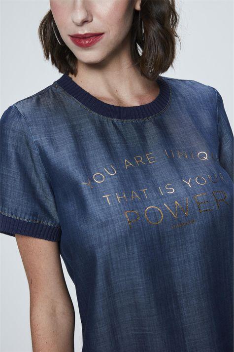 Camiseta-College-Jeans-Feminina-Detalhe--