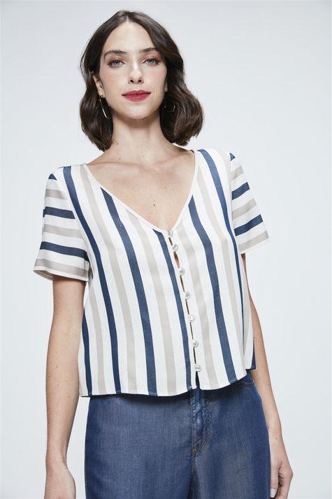 Camisa-Cropped-Listrada-Feminina-Detalhe--