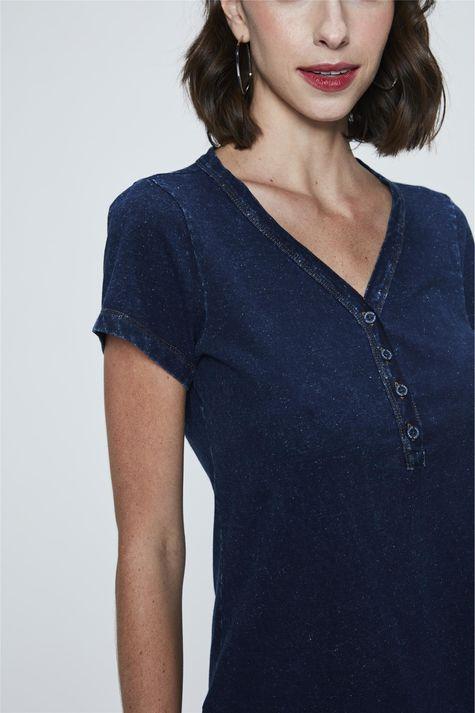 Camiseta-de-Malha-Denim-com-Botoes-Detalhe--