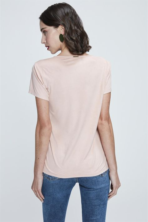 Camiseta-com-Estampa-Empowered-Woman-Costas--