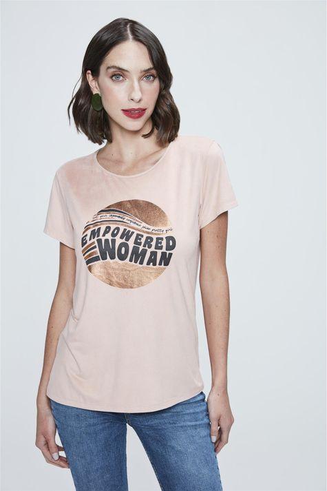 Camiseta-com-Estampa-Empowered-Woman-Frente--