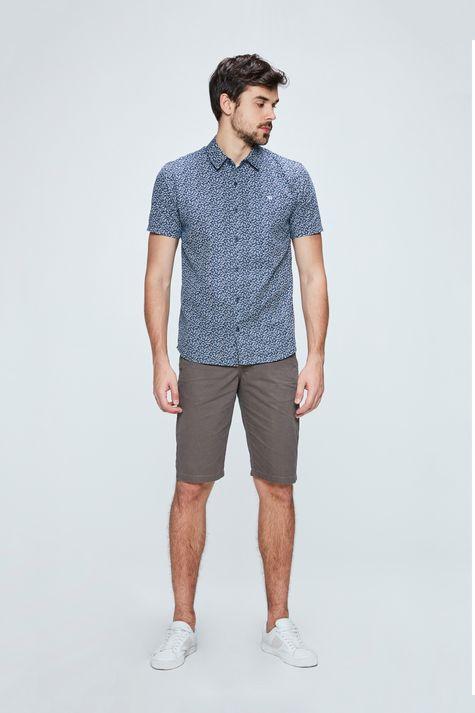 Camisa-com-Estampa-de-Ramos-Masculina-Detalhe-1--
