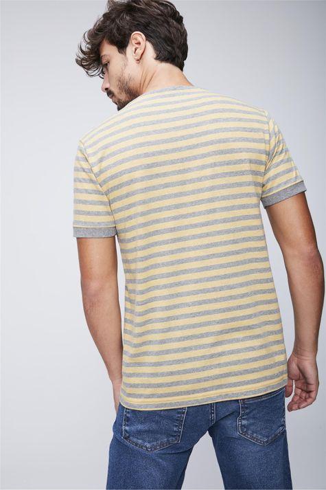 Camiseta-Listrada-com-Bolso-Masculina-Costas--
