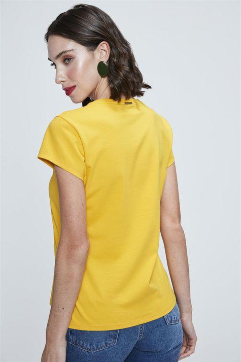 Camiseta-Estampa-de-Tipografia-Feminina-Costas--