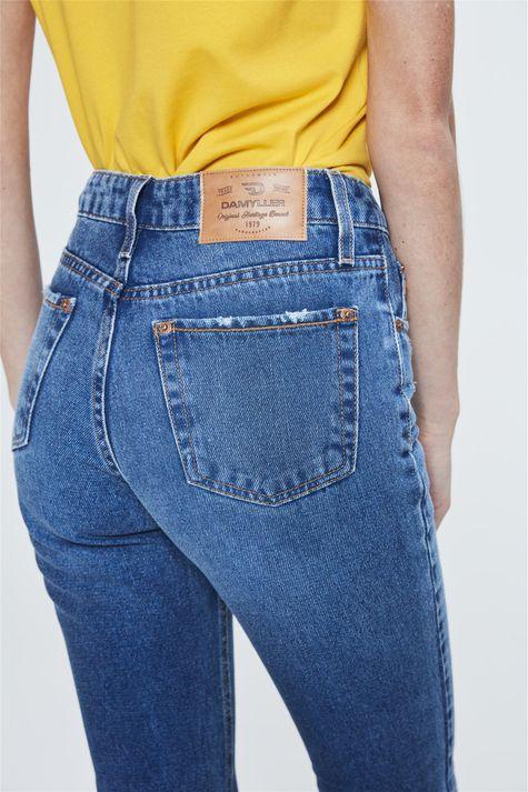 Calca-Jeans-Reta-Cropped-de-Cintura-Alta-Detalhe-2--