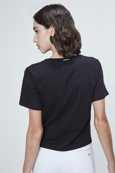 Camiseta-Cropped-com-Amarracao-Estampada-Costas--