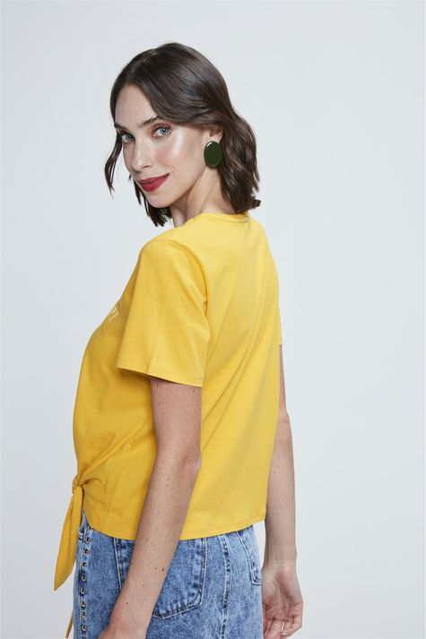 Camiseta-Cropped-com-Amarracao-Estampada-Costas--