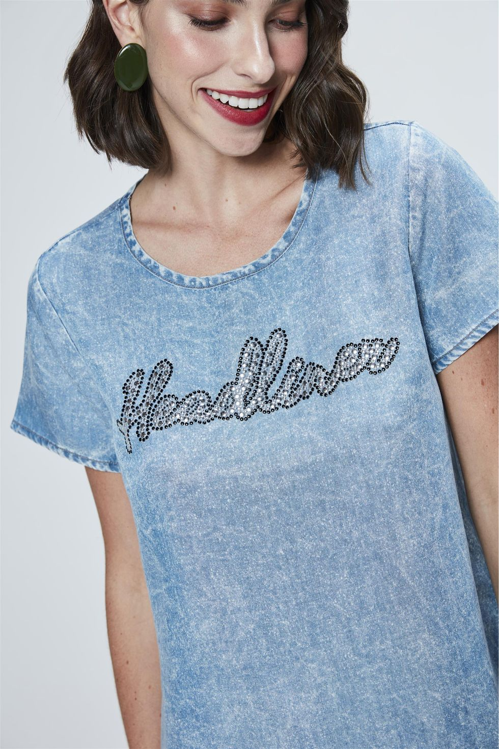 Camiseta-Jeans-com-Aplicacao-Feminina-Frente--