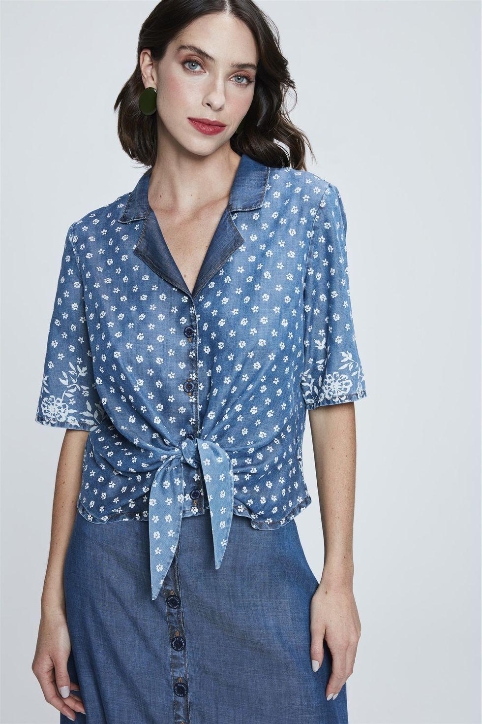 Camisa-Jeans-Cropped-com-Estampa-Floral-Frente--