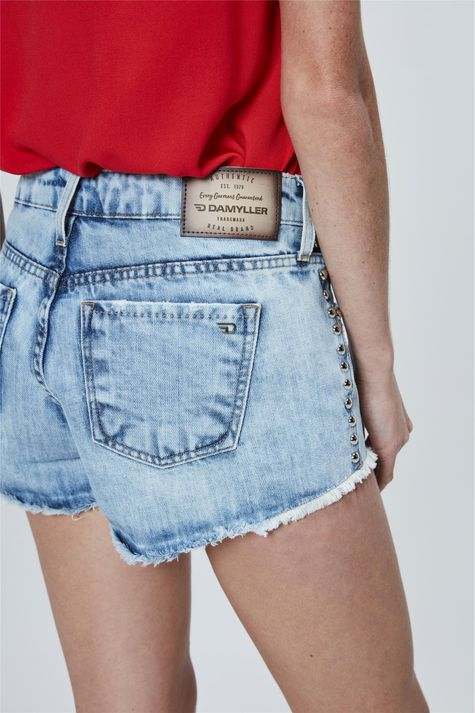 Short-Mini-Jeans-Boyfriend-com-Tachas-Detalhe-1--