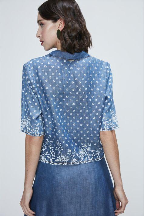 Camisa-Jeans-Cropped-com-Estampa-Floral-Costas--