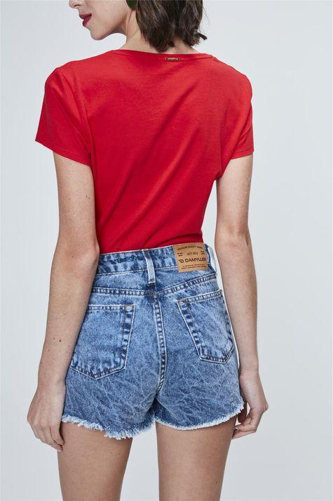 Short-Jeans-Solto-com-Barra-Desfiada-Costas--