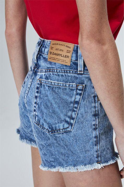 Short-Jeans-Solto-com-Barra-Desfiada-Detalhe-1--