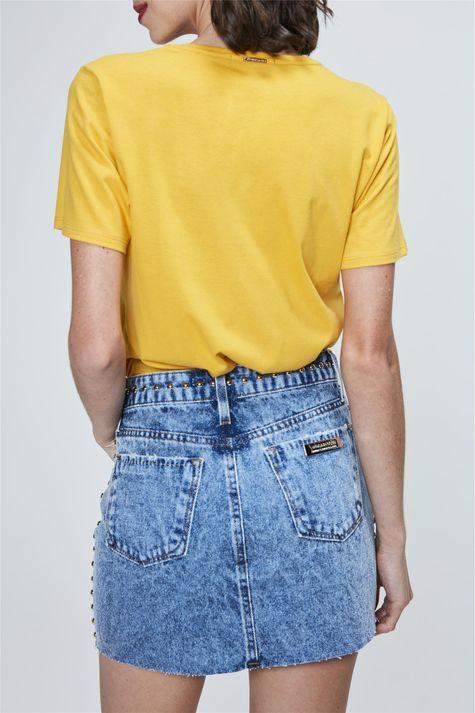 Saia-Mini-Jeans-com-Aplicacao-de-Tachas-Costas--